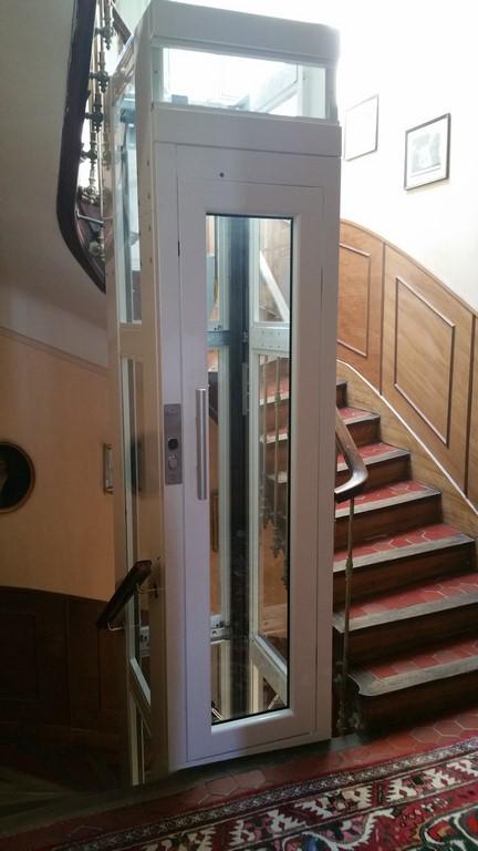 ascenseur privatif paris. Black Bedroom Furniture Sets. Home Design Ideas