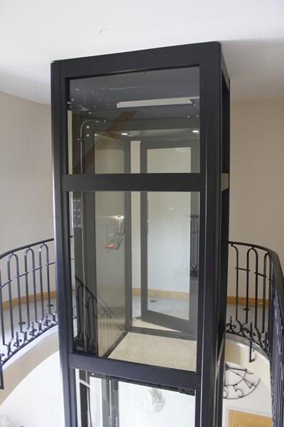 ascenseur privatif vitre
