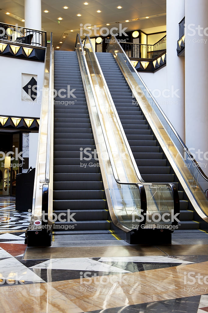 escalier roulant centre commercial