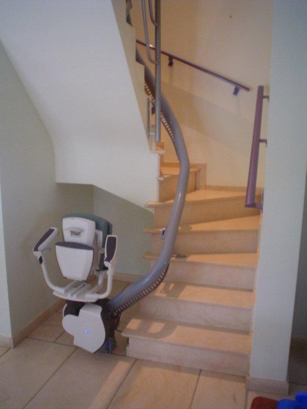 monte escalier 53