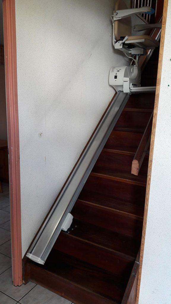 monte escalier 64