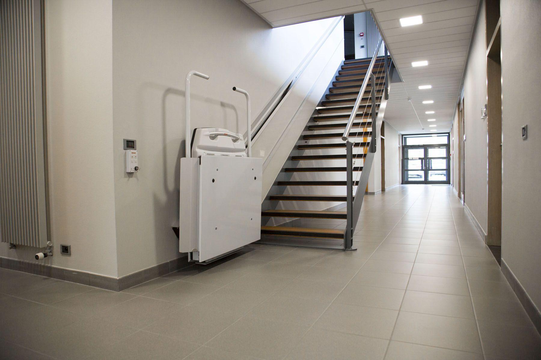 monte escalier belgique