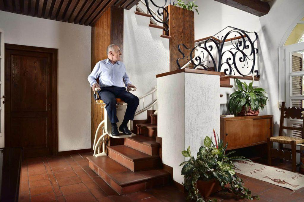 monte escalier besancon