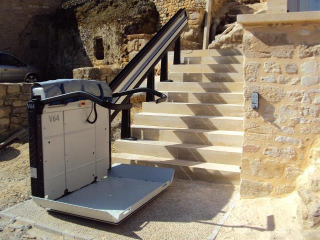 monte escalier exterieur handicape