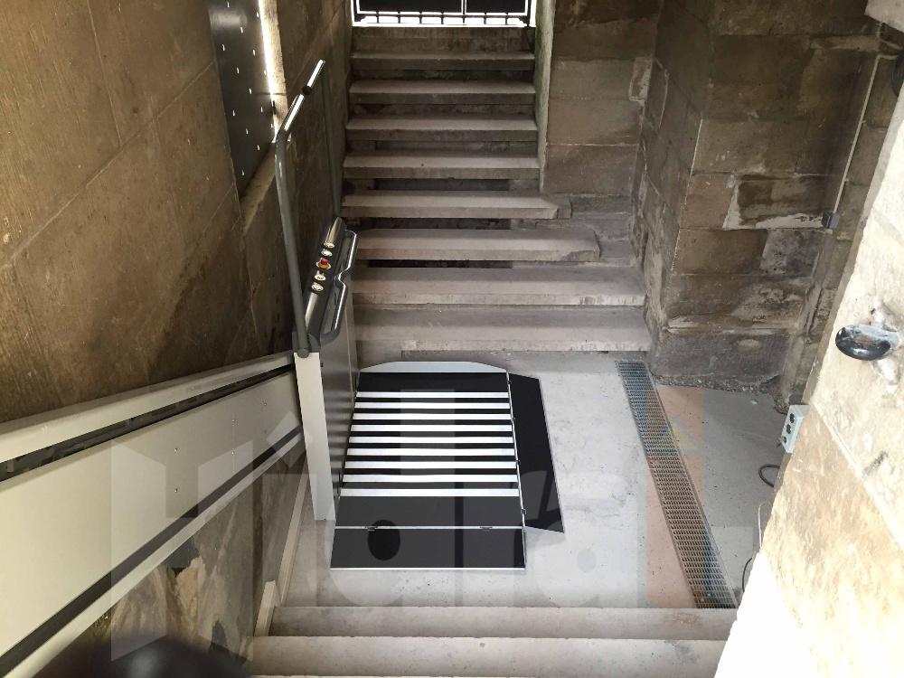 monte escalier exterieur