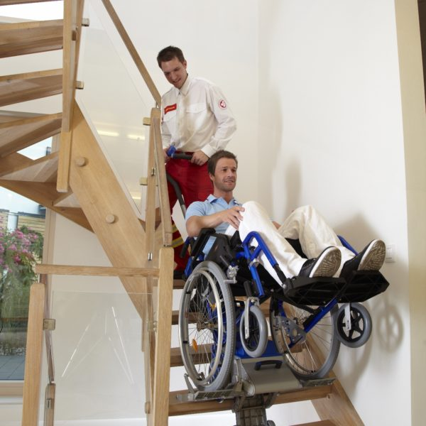 monte escalier fauteuil roulant manuel. Black Bedroom Furniture Sets. Home Design Ideas