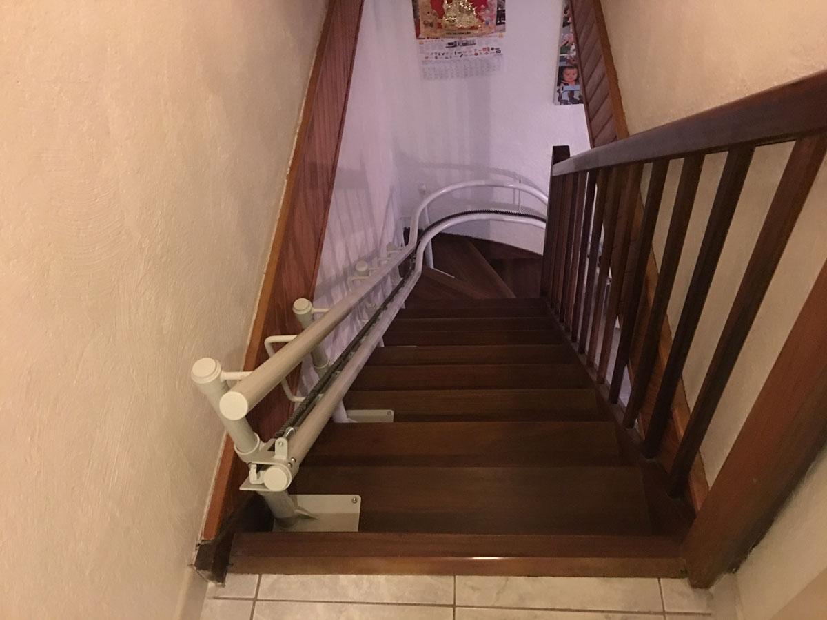 monte escalier frejus. Black Bedroom Furniture Sets. Home Design Ideas