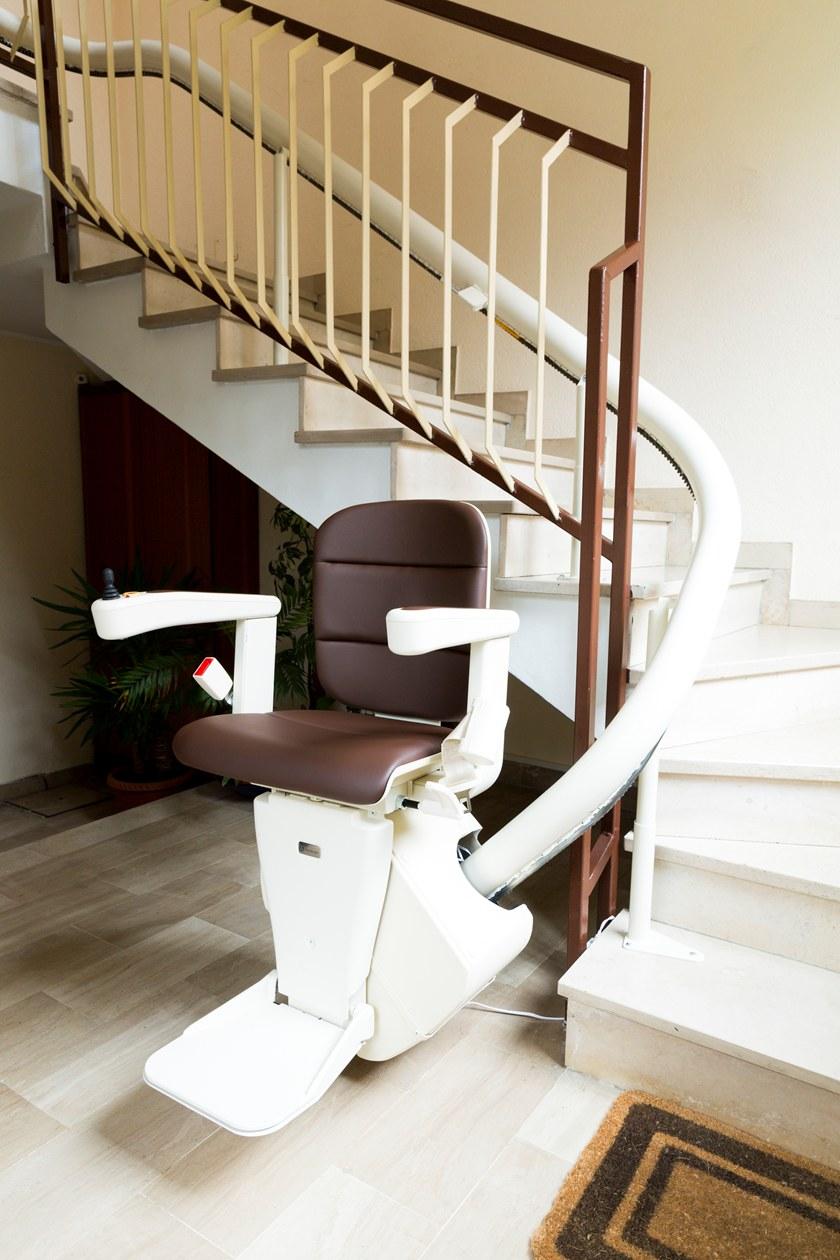monte escalier kone
