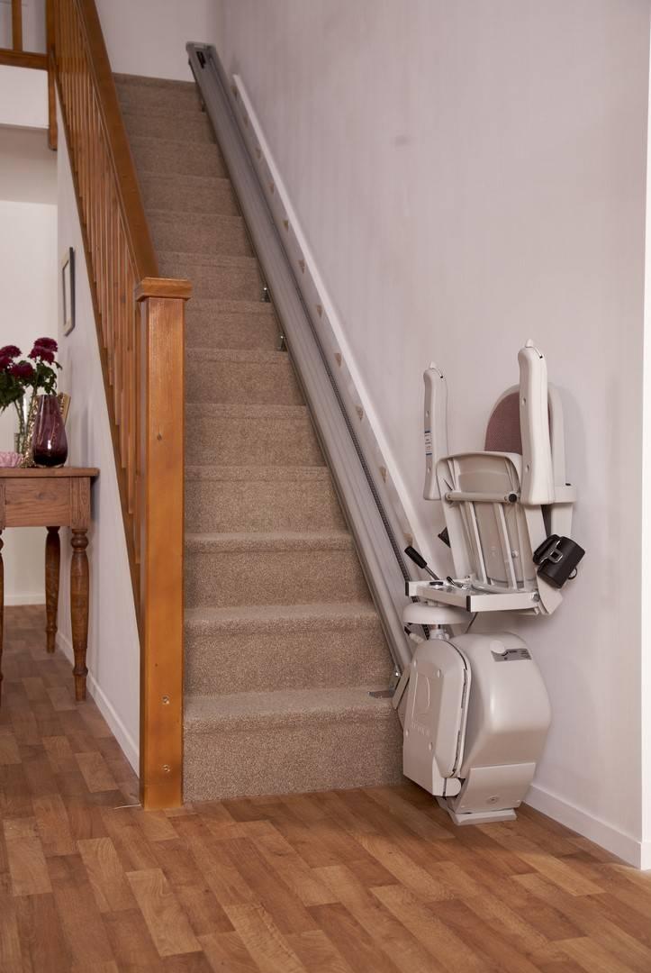 monte escalier largeur minimum. Black Bedroom Furniture Sets. Home Design Ideas