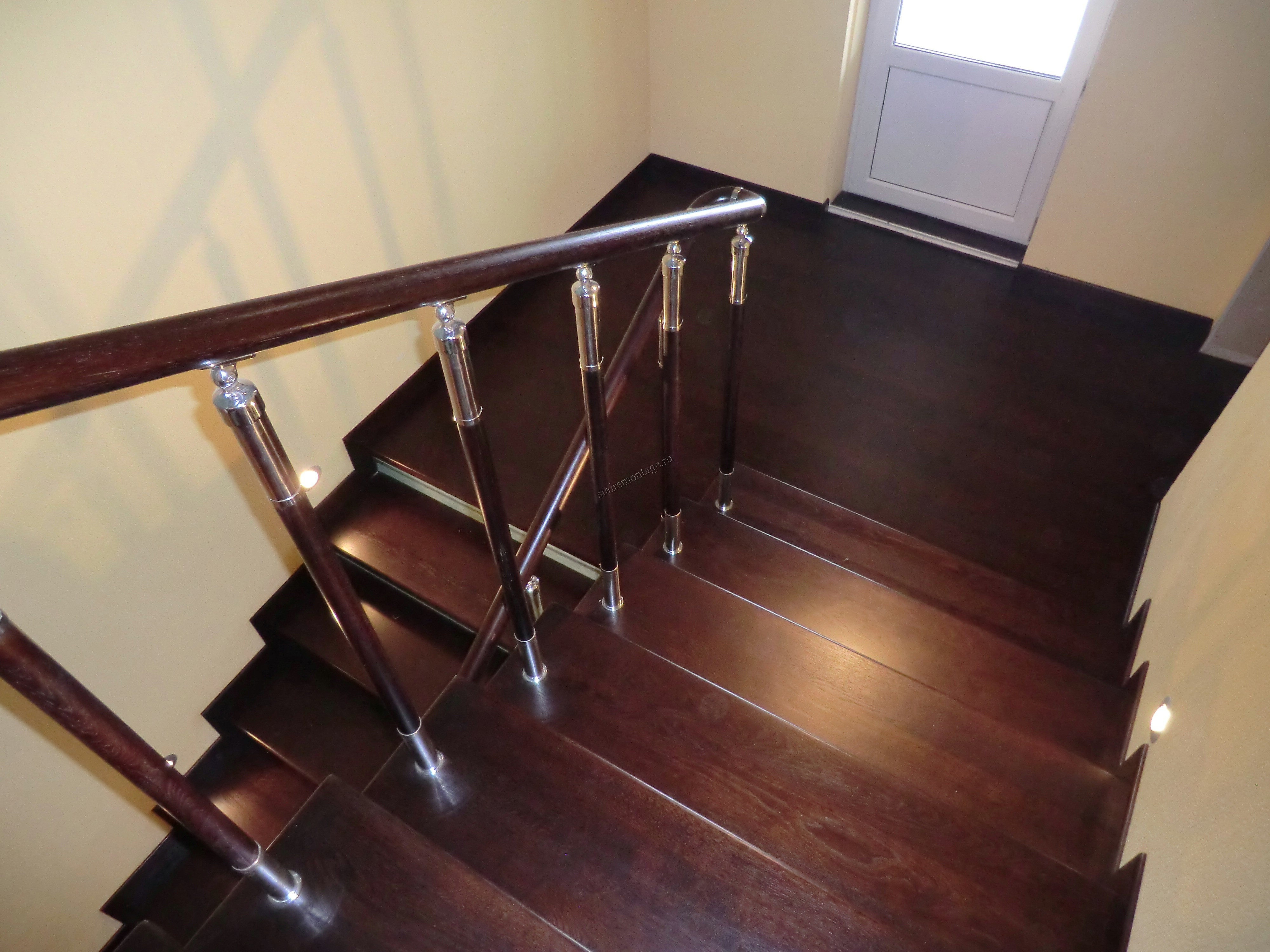 monte escalier le bon coin. Black Bedroom Furniture Sets. Home Design Ideas