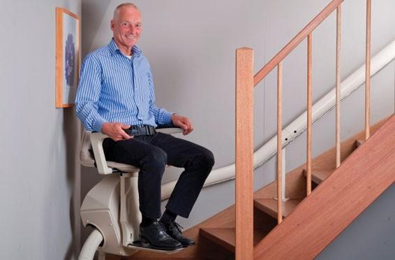 monte escalier norme
