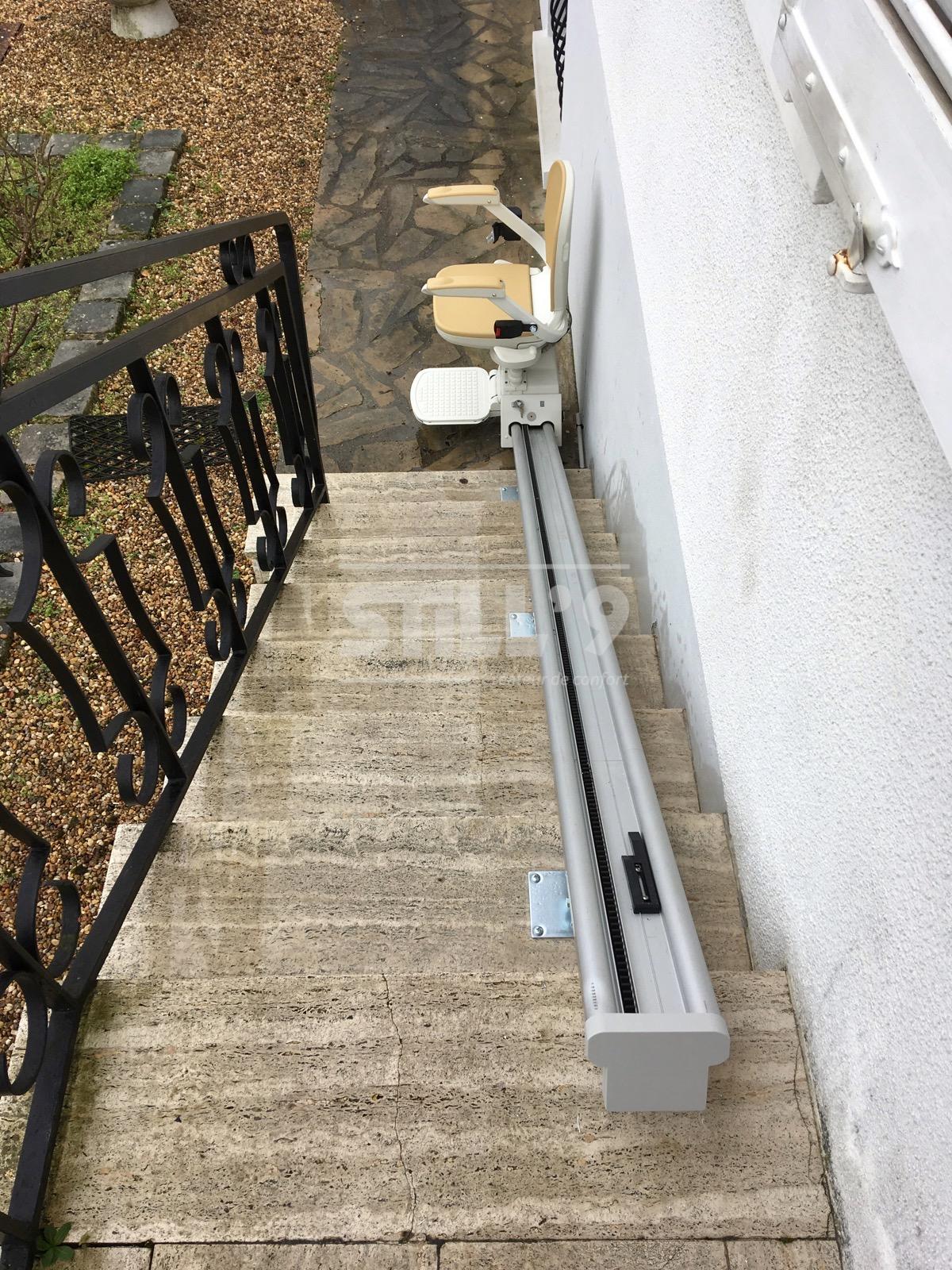 monte escalier orleans