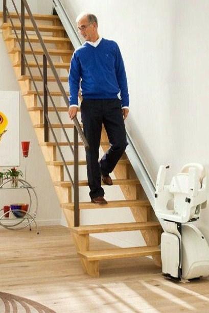 monte escalier region parisienne