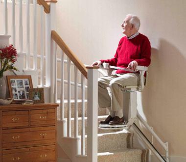 monte escalier senior