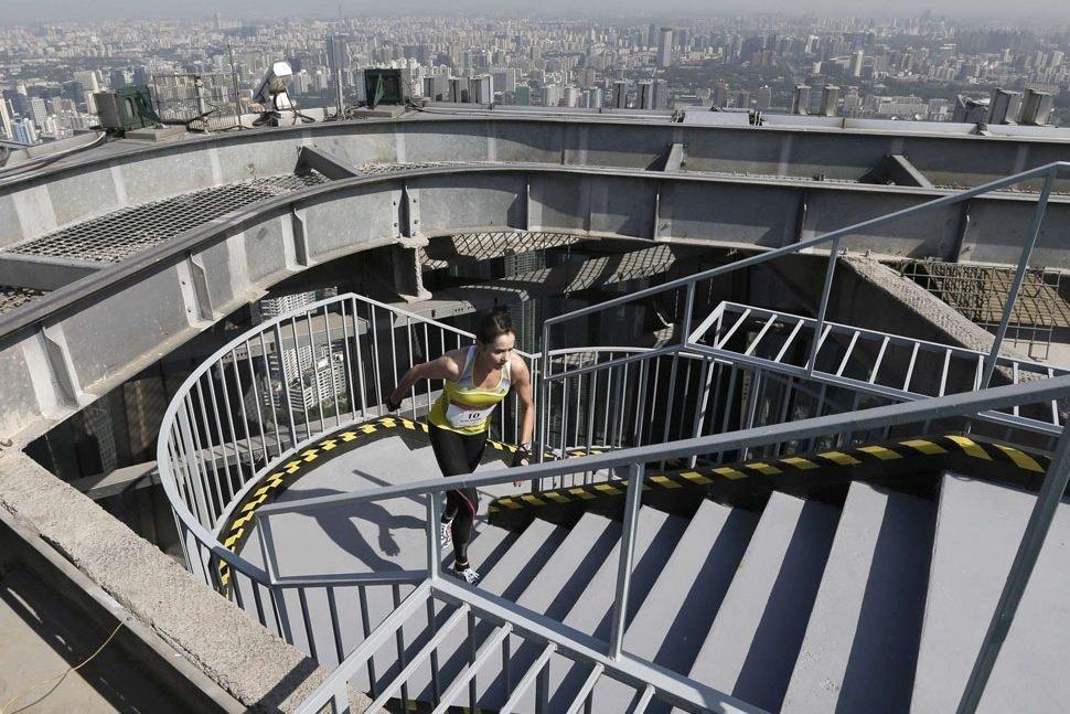 monte escalier tours