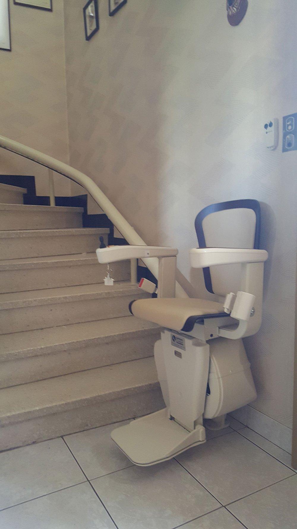 monte escalier uzes