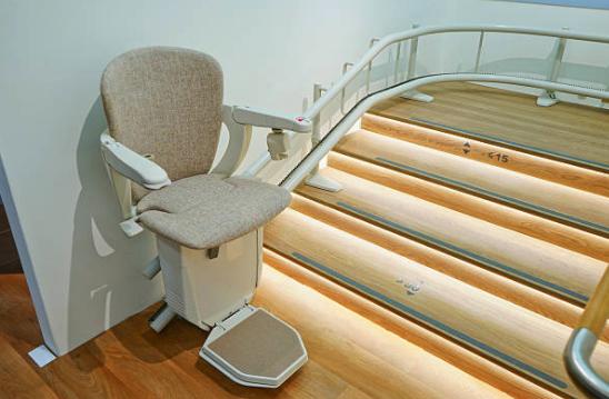 monte escalier vaucluse