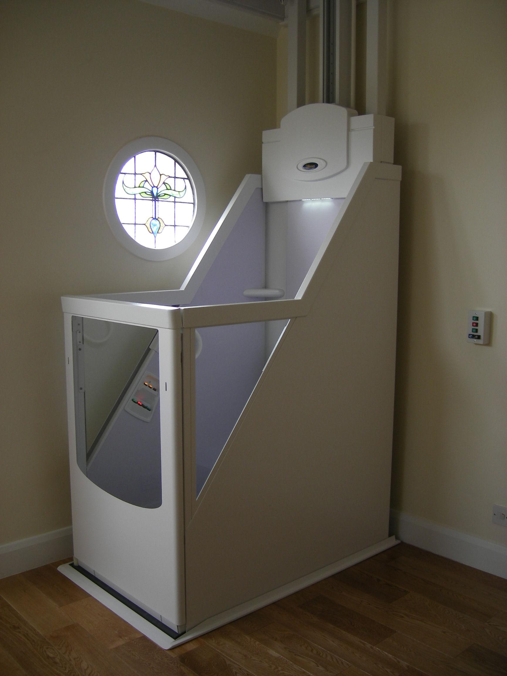 monte escalier vertical